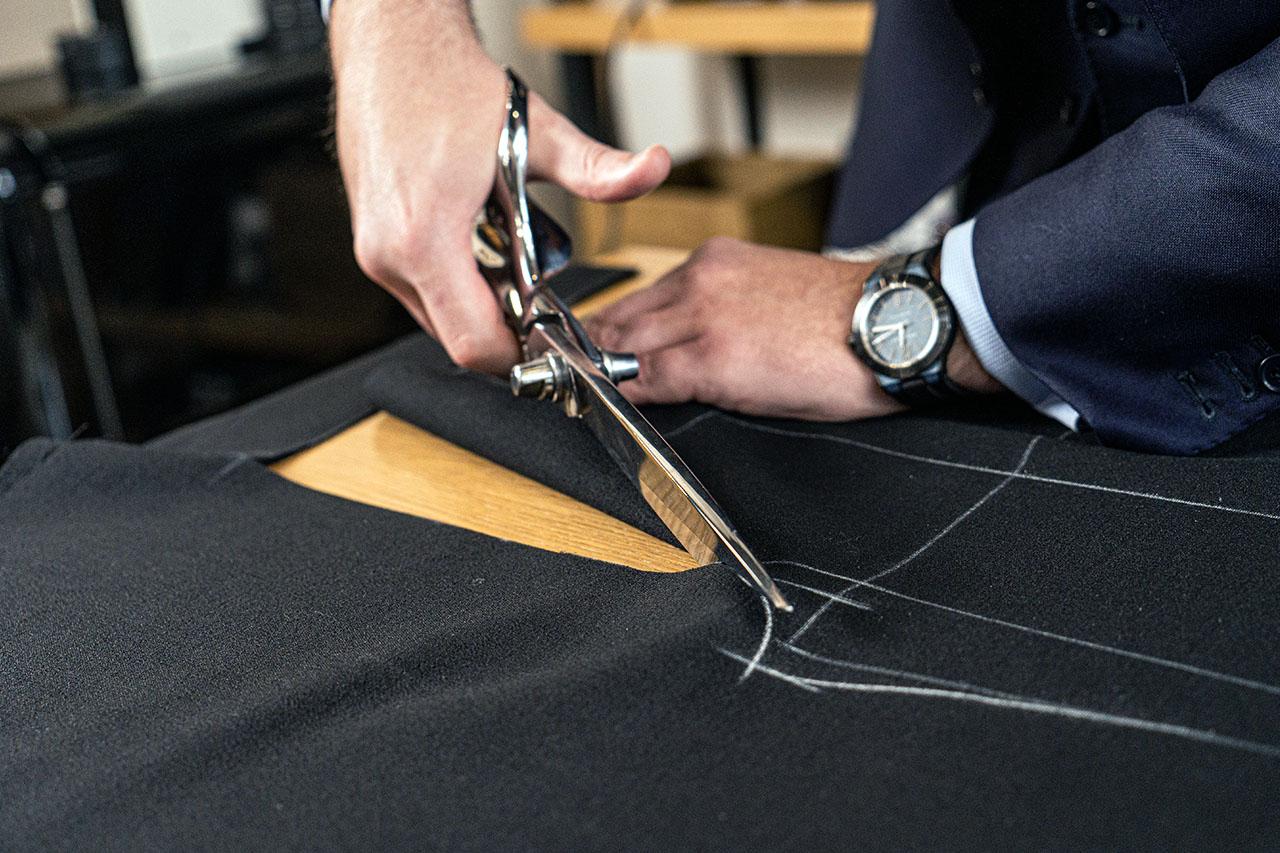 Corte a mano de tu traje a medida